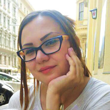יוליה אוסטינוב